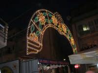 Festa in onore di San Giuseppe Lavoratore - illuminazione in via Monte Bonifato - 1 maggio 2009  - Alcamo (2239 clic)