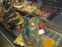 tronco semifreddo al cioccolato, semifreddi e gelati esposti presso l'Enny Bar - 14 dicembre 2008   - Alcamo (2249 clic)