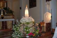 la statua della Madonna di Fatima ospitata all'interno della Chiesa di S. Maria del Gesù - 16 maggio 2008   - Alcamo (1275 clic)