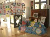 I.C. Pascoli - Progetto PON scuola primaria - costruzione di manufatti con materiale riciclato - 19 maggio 2009   - Castellammare del golfo (2151 clic)