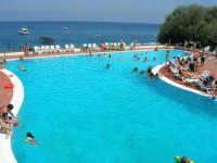 Villaggio Turistico Capo Calavà: la piscina - 23 luglio 2006   - Gioiosa marea (4354 clic)