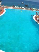 Villaggio Turistico Capo Calavà: la piscina - 23 luglio 2006   - Gioiosa marea (2238 clic)