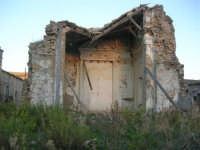 ruderi del paese distrutto dal terremoto del gennaio 1968 - 2 ottobre 2007   - Poggioreale (630 clic)