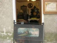 mobili e oggetti d'epoca - 1 maggio 2008   - Erice (1310 clic)
