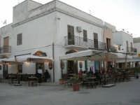 in via Savoia: Caffè Pino - Pasticceria - 20 maggio 2007  - San vito lo capo (782 clic)