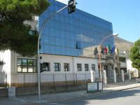 sul viale Leonardo da Vinci l'Istituto Comprensivo G. Pascoli - 10 ottobre 2006   - Castellammare del golfo (956 clic)