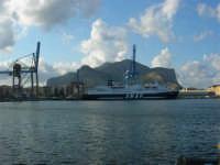 dal porto il Monte Pellegrino - 10 agosto 2006 PALERMO Lidia e Nicola