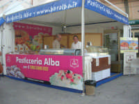 Cous Cous Fest 2007 - Expo Village - itinerario alla scoperta dell'artigianato, del turismo, dell'agroalimentare siciliano e dei Paesi del Mediterraneo - Pasticceria Alba - 28 settembre 2007       - San vito lo capo (907 clic)