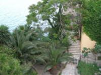 litorale (scorcio sul mare) - 7 maggio 2006  - Castellammare del golfo (936 clic)