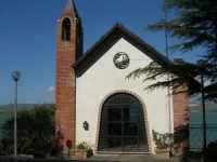 Chiesetta sul Lago Arancio - 25 aprile 2008   - Sambuca di sicilia (1142 clic)