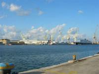 il porto - 10 agosto 2006  - Palermo (1091 clic)