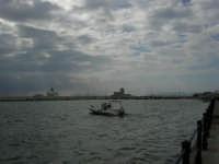 Nuvole sul porto - 32nd America's Cup - 2 ottobre 2005   - Trapani (1855 clic)