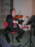 presso il Centro Congressi Marconi, il Concerto del Quintetto Caravaglios (al violino il maestro Massimiliano Ramo) (22) - 28 dicembre 2007   - Alcamo (1133 clic)