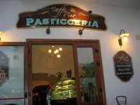 Caffè Pino - Pasticceria in via Savoia - 20 maggio 2007  - San vito lo capo (3492 clic)