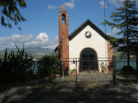 Chiesetta sul Lago Arancio - 25 aprile 2008   - Sambuca di sicilia (1784 clic)