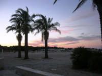 spiaggia all'imbrunire - 20 maggio 2007  - San vito lo capo (1230 clic)