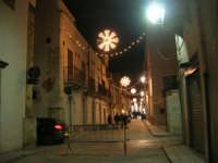 luci natalizie in corso VI Aprile - 21 dicembre 2008    - Alcamo (843 clic)