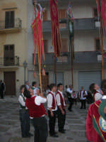 2° Corteo Storico di Santa Rita - Piazza Madonna delle Grazie - esibizione degli Stendardieri di Petralia La Suprana - 17 maggio 2008   - Castellammare del golfo (526 clic)