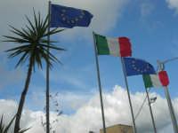 bandiere al vento - 5 aprile 2009   - Buseto palizzolo (3461 clic)