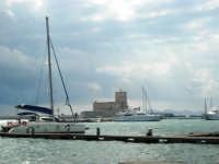 Vista sul porto - 32nd America's Cup - 2 ottobre 2005   - Trapani (1814 clic)