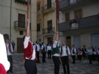 2° Corteo Storico di Santa Rita - Piazza Madonna delle Grazie - esibizione degli Stendardieri di Petralia La Suprana - 17 maggio 2008   - Castellammare del golfo (531 clic)