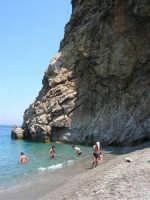 Villaggio Turistico Capo Calavà: il mare e la scogliera - 23 luglio 2006     - Gioiosa marea (2914 clic)