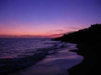 il mare al crepuscolo - 5 ottobre 2008   - Marinella di selinunte (564 clic)