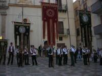 2° Corteo Storico di Santa Rita - Piazza Madonna delle Grazie - esibizione degli Stendardieri di Petralia La Suprana - 17 maggio 2008   - Castellammare del golfo (571 clic)