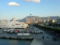 dal porto, vista sulla città - 10 agosto 2006  - Palermo (923 clic)