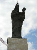 Porto: statua della Madonna Patrona della città - 32nd America's Cup - 2 ottobre 2005   - Trapani (1304 clic)