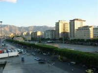 dal porto, vista sulla città - 10 agosto 2006  - Palermo (1010 clic)
