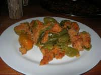 C/da Digerbato - Tenuta Volpara - antipasti: peperoni ripieni - 27 aprile 2008   - Marsala (2255 clic)