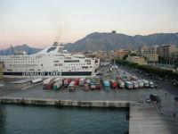 dal porto, vista sulla città - 10 agosto 2006  - Palermo (890 clic)