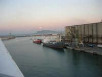 al porto - 10 agosto 2006  - Palermo (1349 clic)