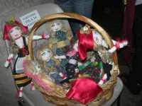 WINE WEEKEND - Vetrina dell'Alcamo DOC - bambole di stoffa - Cortile del Collegio dei Gesuiti - 4 dicembre 2009  - Alcamo (2600 clic)