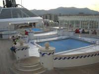 al porto, a bordo della GNV LA SUPERBA - 10 agosto 2006  - Palermo (4357 clic)