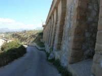 la strada che porta alla spiaggia di levante - 5 ottobre 2008   - Balestrate (1075 clic)