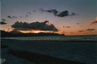 zona Battigia: tramonto - 10 giugno 2005  - Alcamo marina (1616 clic)