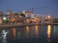 scende la sera, si accendono le luci - 5 ottobre 2008   - Marinella di selinunte (674 clic)