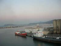 al porto - 10 agosto 2006  - Palermo (1007 clic)