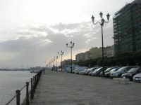 scende la sera sul porto - 1 maggio 2008   - Trapani (945 clic)