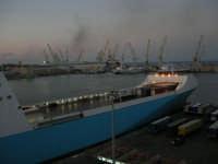 al porto - 10 agosto 2006  - Palermo (1041 clic)
