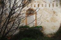 frazione di Buseto Palizzolo - interno chiesa diroccata - 18 gennaio 2009  - Bruca (4257 clic)