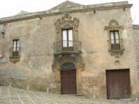 verone barocco del palazzo Maiorana De Cristoforis - 25 aprile 2006  - Erice (3478 clic)