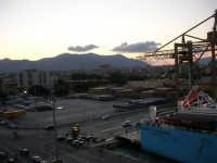 al porto, vista sulla città - 10 agosto 2006 PALERMO Lidia e Nicola