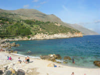 tra Scopello e la Riserva Naturale dello Zingaro: Cala Mazzo di Sciacca - 29 ottobre 2006  - Castellammare del golfo (951 clic)