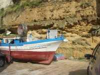 Via Don L. Zangara - barca - 11 ottobre 2009  - Castellammare del golfo (1579 clic)