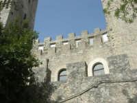 Torri Pepoli - 1 maggio 2008   - Erice (881 clic)