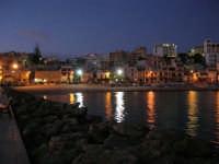 scende la sera, si accendono le luci - 5 ottobre 2008   - Marinella di selinunte (1001 clic)
