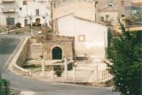 Via Discesa al Santuario e Fontana Araba - 19 agosto 2001  - Alcamo (5760 clic)